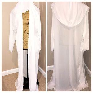 White sheer hooded Robe ( no belt ) one size EUC